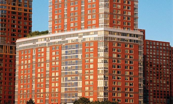 Battery Park City, The Solaire