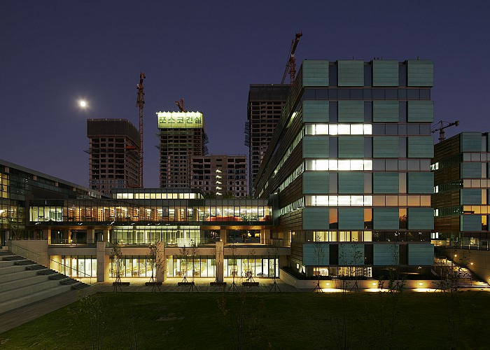 Cosentini associates university of chicago south campus for Chadwick and associates