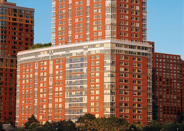 Battery Park City, The Solaire